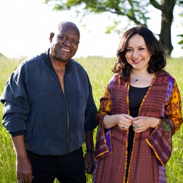 MAHSA VAHDAT und MIGHTY SAM MCCLAIN